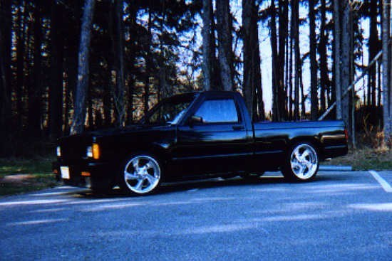 UR2SLOs 1987 Chevy S-10 photo