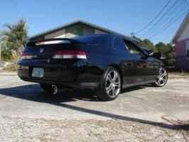 99PreludeGirLays 1999 Honda Prelude photo thumbnail