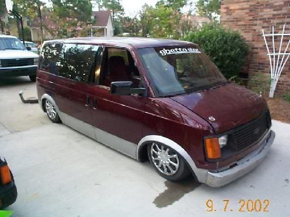 bodydropped95s 1988 Chevy Astro Van photo