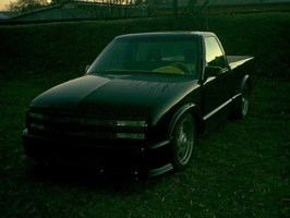 wht97s10s 1994 Chevy S-10 photo thumbnail