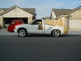 Laidouts10s 1995 Chevy S-10 photo thumbnail
