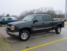 BagdHoes 2003 Chevrolet Silverado photo thumbnail