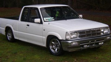 Mazdawg08s 1992 Mazda B2200 photo thumbnail
