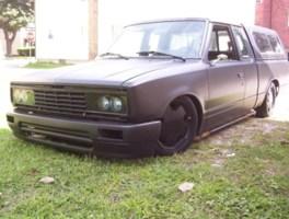 flatbrokecustomss 1985 Nissan  720 photo thumbnail
