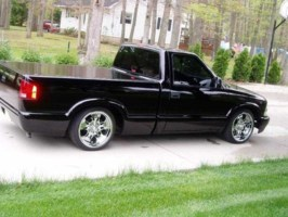 lowblk02s10s 2002 Chevy S-10 photo thumbnail