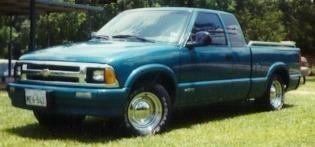 kiddrock77656s 1995 Chevy S-10 photo thumbnail