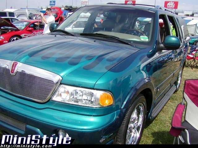 bigpimpin46385s 1998 Lincoln Navigator photo