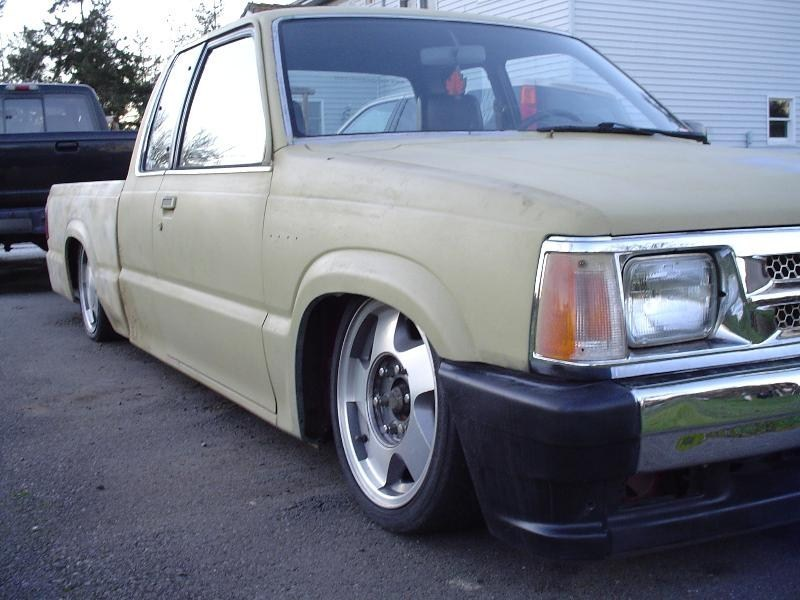 tomkats 1986 Mazda B2000 photo
