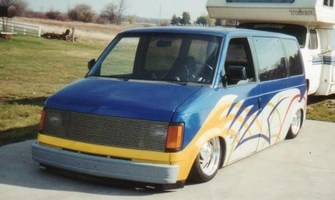 Lodowns 1986 Chevy Astro Van photo thumbnail