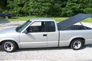 HoleShot03s 1994 Chevy S-10 photo thumbnail