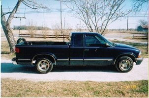 bigdawg333s 1999 Chevy S-10 photo thumbnail