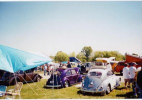 HeckYaCustomss 1961 Volkswagen Bug photo thumbnail