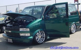 Six15ss 1998 Chevy Astro Van photo thumbnail