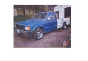 kkyllo23s 1987 Mazda B2000 photo thumbnail