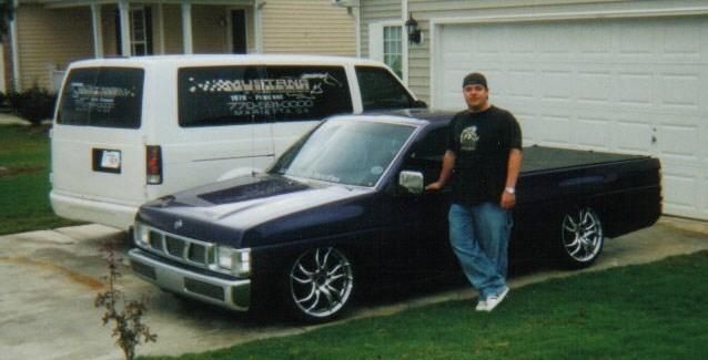 ir078607s 1996 Nissan Hard Body photo