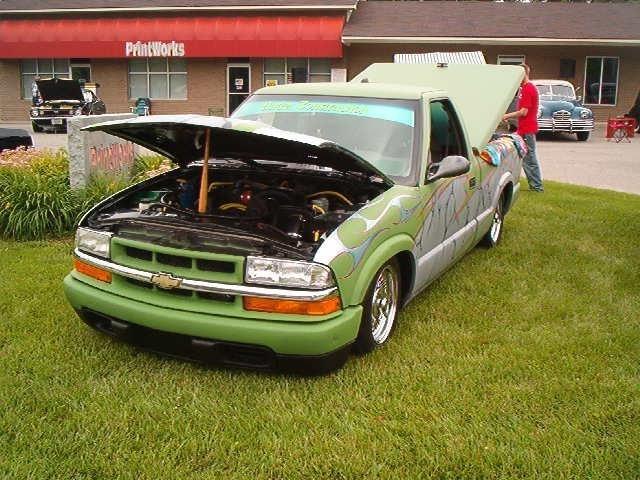 blacksunshine002s 1998 Chevy S-10 photo