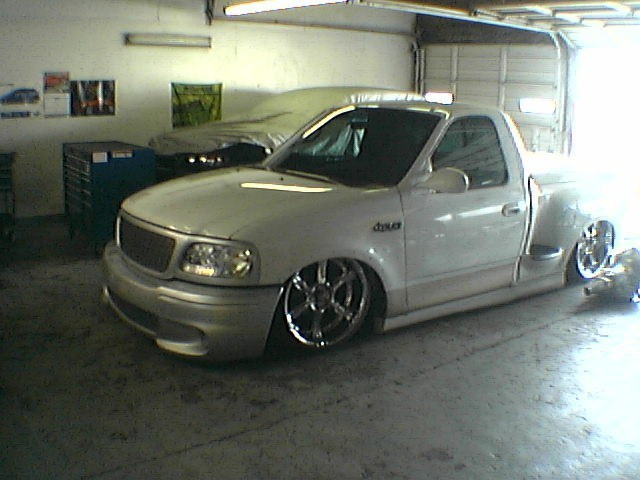 2kcustoms 2000 Ford Lightning photo