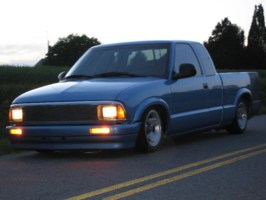 xLaYiNFrAmExs 1996 Chevy S-10 photo thumbnail