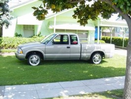 dwlaidnshaved01s 2001 GMC Sonoma photo thumbnail