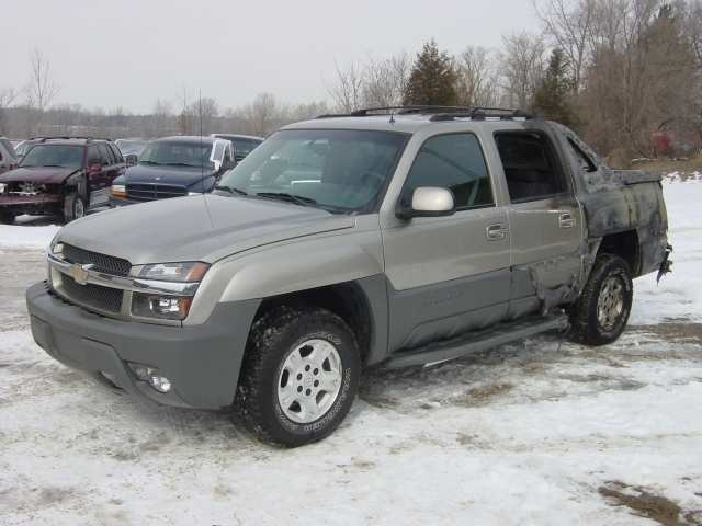 airleaks 2002 Chevy Avalanche  photo