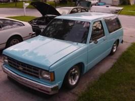 jlaudo9s 1987 Chevy S-10 Blazer photo thumbnail