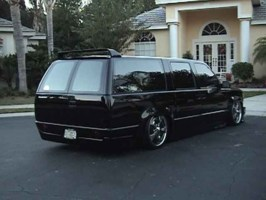 layinbodykits 1992 Chevrolet Suburban photo thumbnail