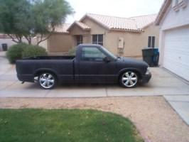 Lo N Slows 1998 Chevy S-10 photo thumbnail