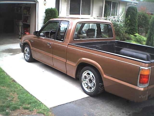 ECB2000LXs 1987 Mazda B2000 photo