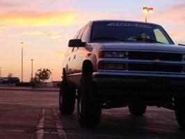 atukn22schevys 1999 Chevrolet Suburban photo thumbnail