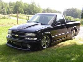 travis98s10s 1998 Chevy S-10 photo thumbnail