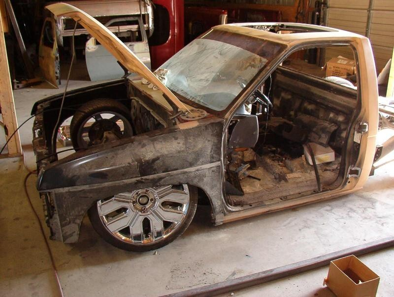 FRONTierLaydHARDs 1990 Nissan Hard Body photo