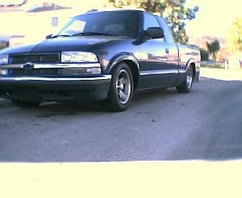 nissanluvr82s 1999 Chevy S-10 photo
