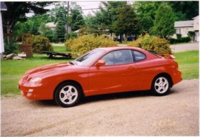 Red Sharks 2001 Hyundai Tiburon photo thumbnail