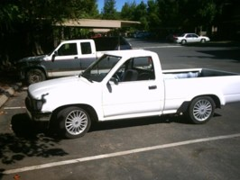 low downins 1994 Toyota 2wd Pickup photo thumbnail