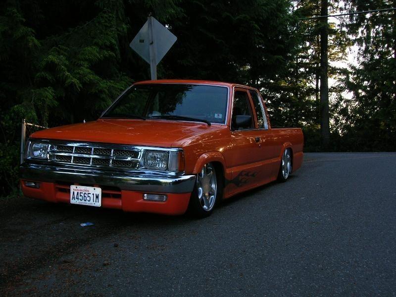 88orangemazdas 1988 Mazda B2200 photo