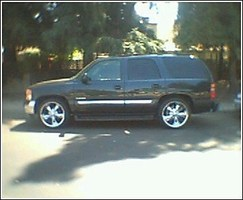 SLVR2K2s 2003 GMC Yukon photo thumbnail