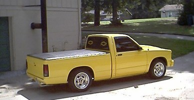 yellow s10s 1989 Chevy S-10 photo thumbnail
