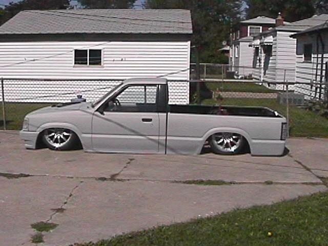 bodydroppedmazdas 1991 Mazda B2000 photo