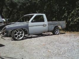 nvrloenufs 1995 Nissan Hard Body photo thumbnail