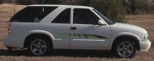 lowblaz2001s 2001 Chevrolet Blazer photo thumbnail