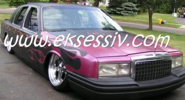 PINCHLAYERs 1994 Lincoln Town Car photo thumbnail