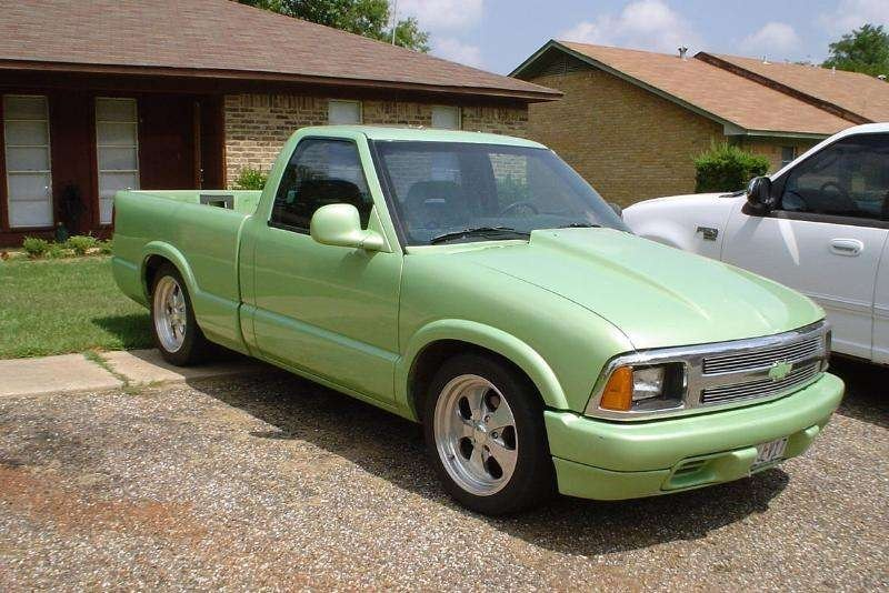 MikeOs 1994 Chevy S-10 photo