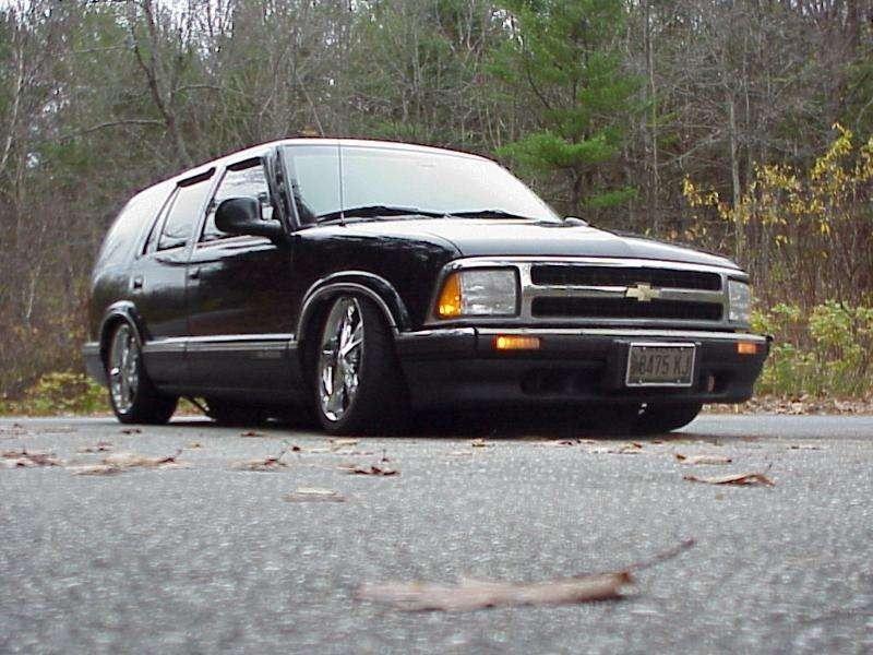 I Got LAYEDs 1995 Chevy S-10 Blazer photo