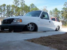 droppedbody17s 2003 Mazda B2300 photo thumbnail