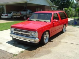 V8S15Jimmys 1988 Chevy S-10 Blazer photo thumbnail
