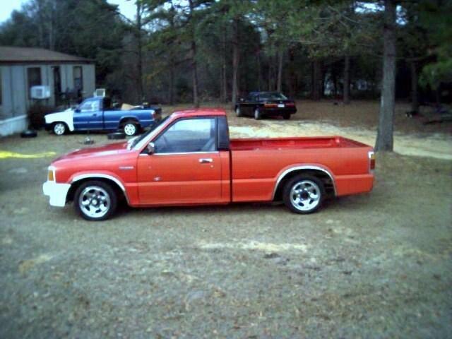 Mazdaratis 1988 Mazda B2200 photo