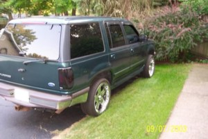 greenexplorer16s 1997 Ford  Explorer photo thumbnail
