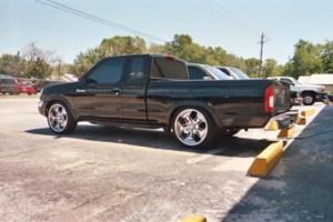 frontierondubss 1998 Nissan Frontier photo thumbnail