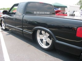 laydlow69s 2001 Chevy S-10 photo thumbnail