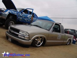 playedouts10s 2002 Chevy S-10 photo thumbnail